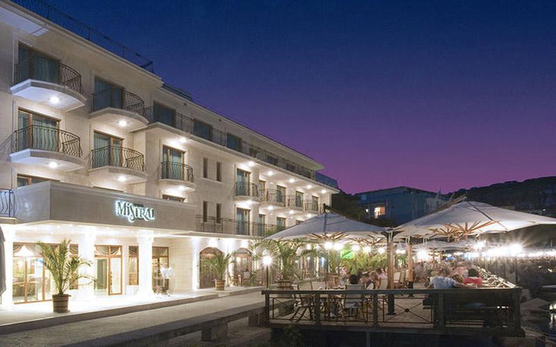Mistral Golf Hotel