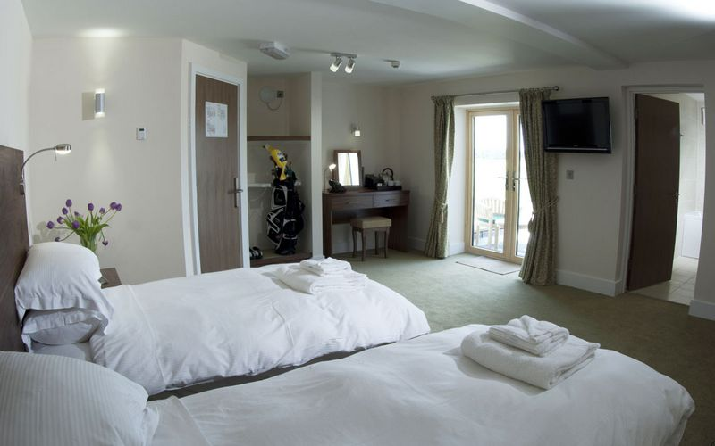 Lodge at Prince's golf Twin Room