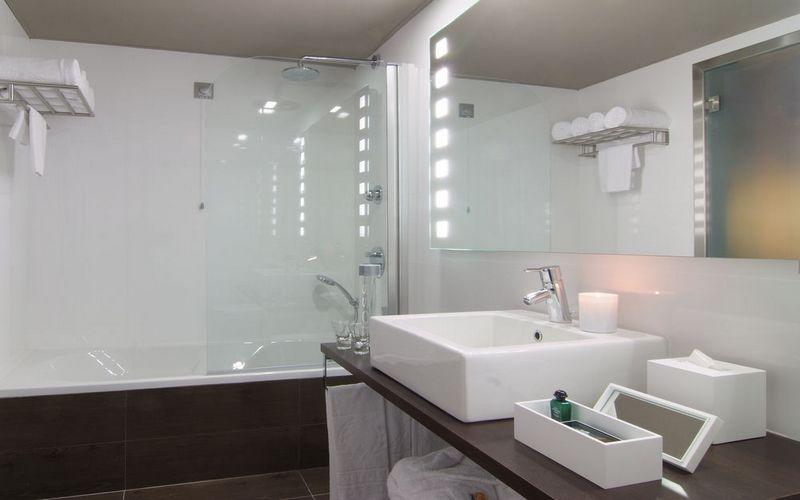 Tivoli-Marina-Vilamoura-hotel-bathroom