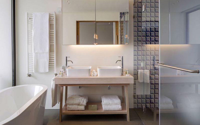 evolutee hotel bathroom royal obidos