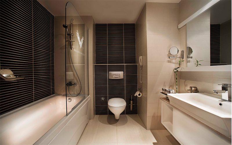 voyage hotel bathroom turkey