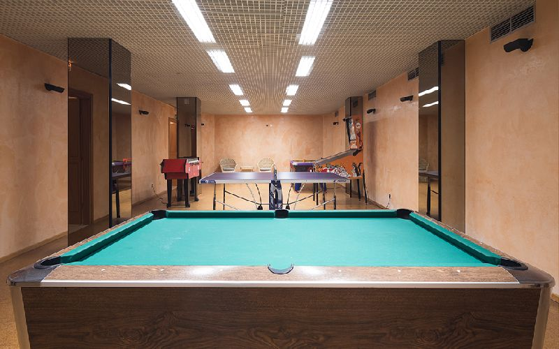 Dom Pedro Marina golf hotel games room