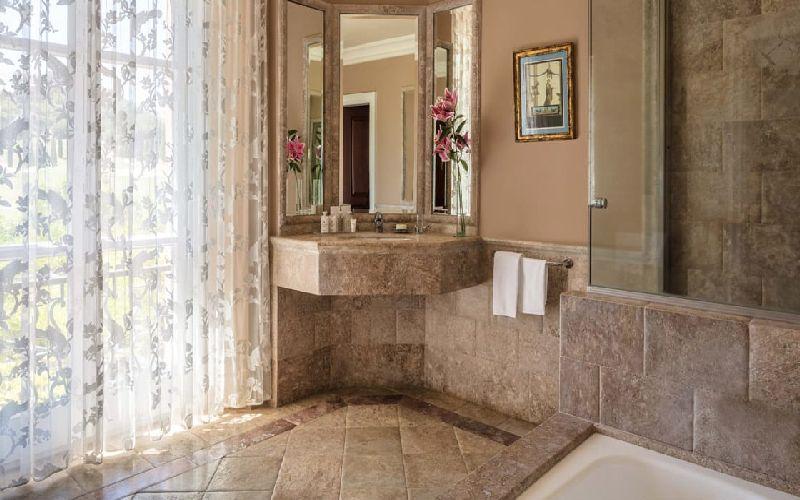 villa padierna golf resort bathroom
