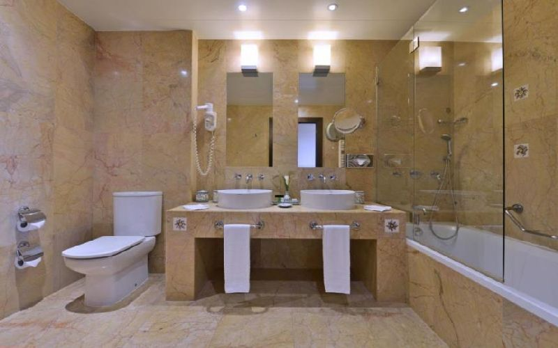pestana vila sol golf hotel bathroom 2