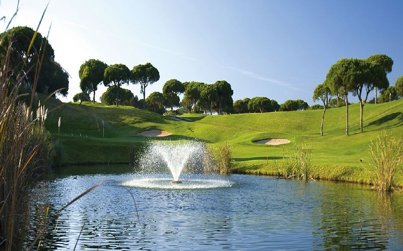 vale do lobo royal golf course water