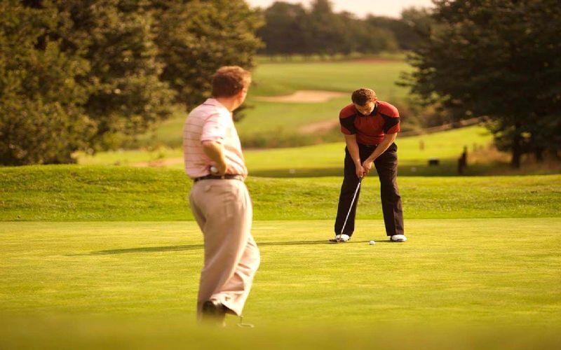 oulton hall golf calverley course