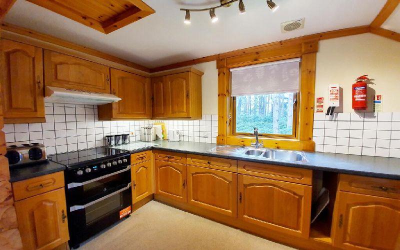 the dorset golf resort lodge kitchen