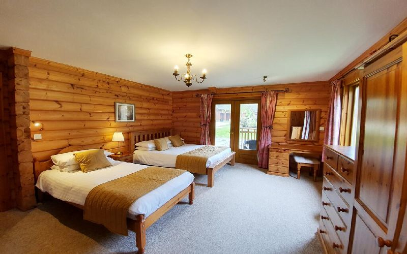 the dorset golf resort lodge twin room