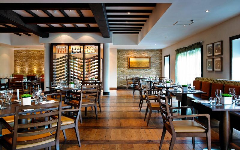 tudor park golf resort restaurant