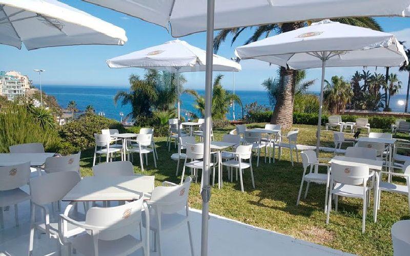Flatotel International Golf Hotel buffet terrace