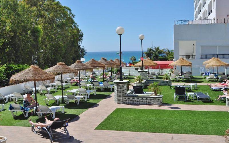 Flatotel International Golf Hotel terrace