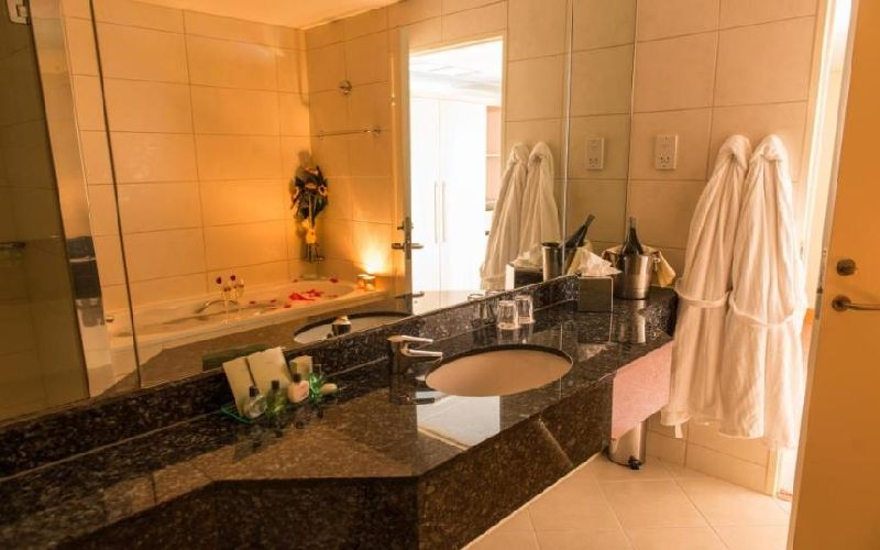 east sussex national golf resort bathroom