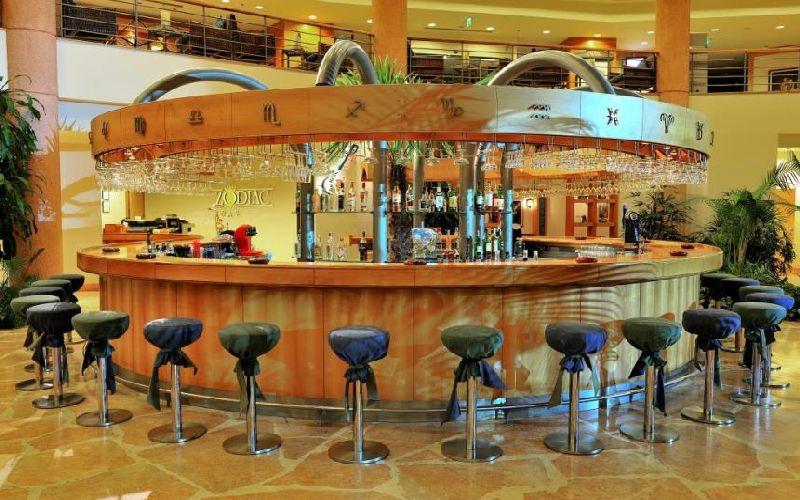 gloria verde golf resort bar