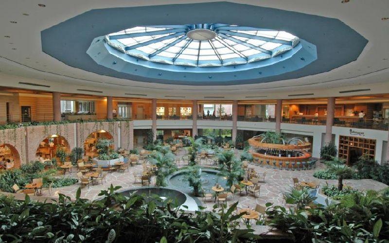 gloria verde golf resort lobby