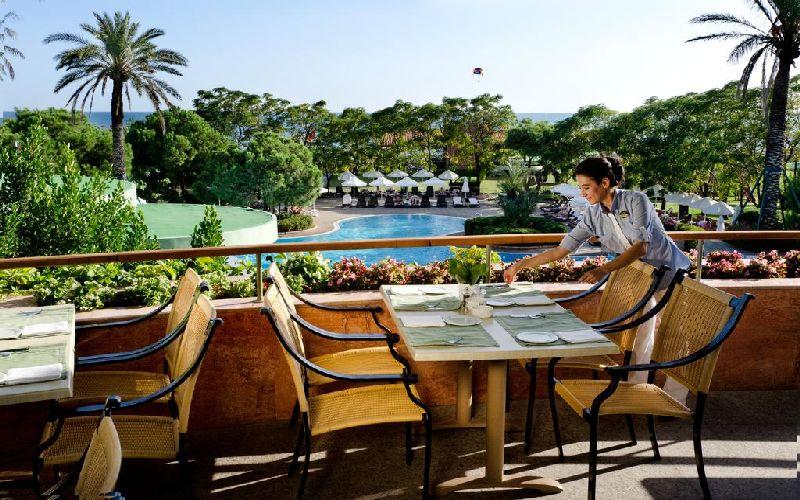 gloria verde golf resort restaurant terrace