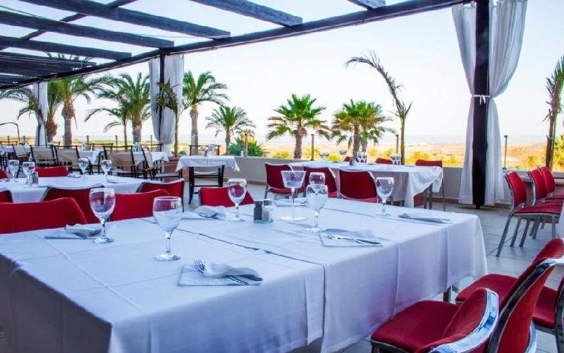 valle del este golf resort restaurant terrace
