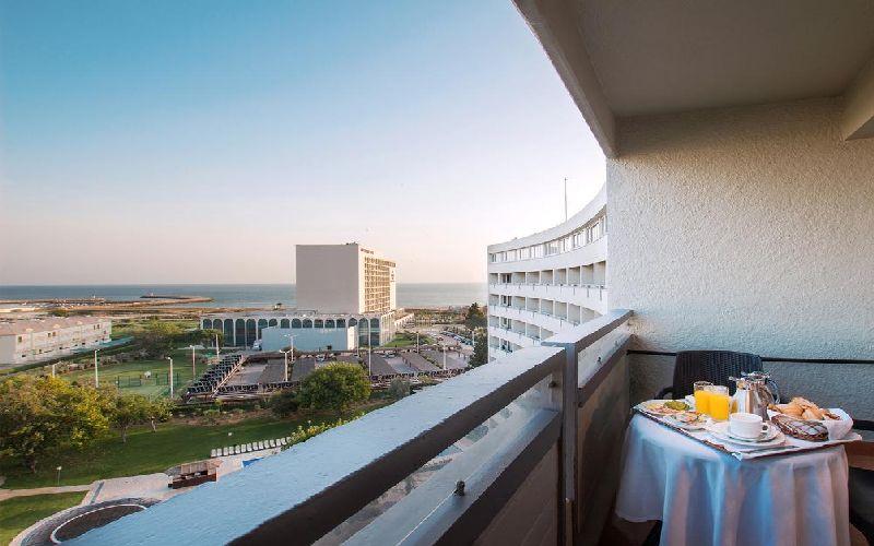 dom pedro vilamoura golf hotel balcony