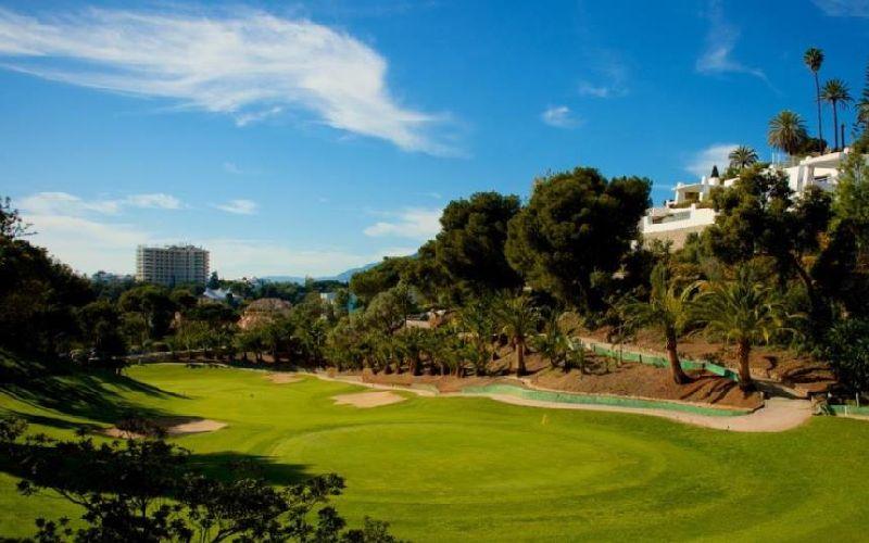 rio real golf course blue sky