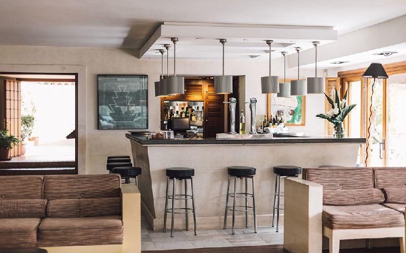 rio real golf hotel bar