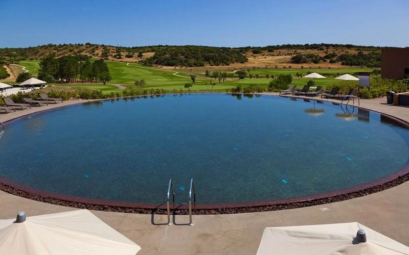 morgado golf & country club pool view