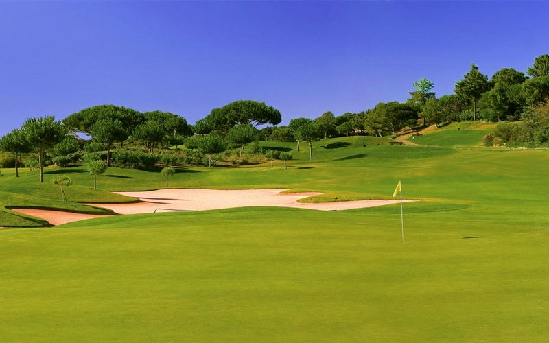 pinheiros altos golf course large bunker