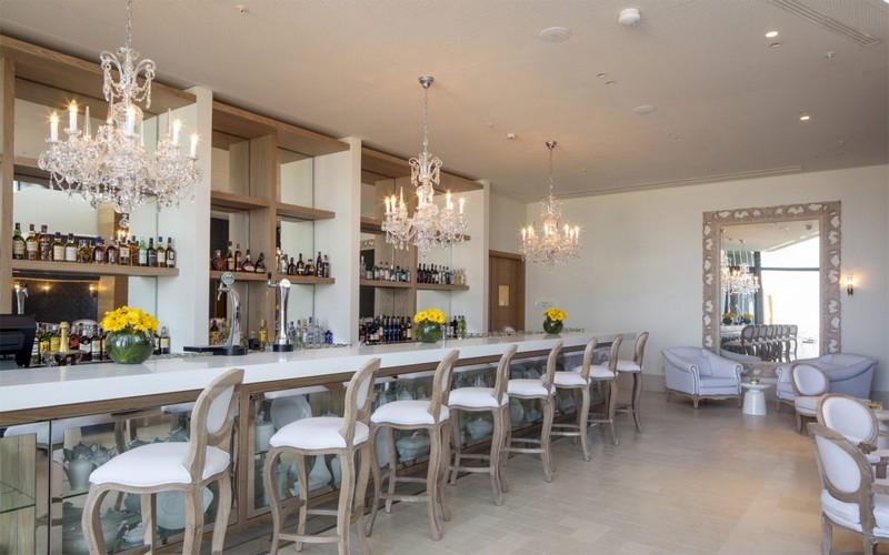 Evolutee Hotel Royal Obidos bar