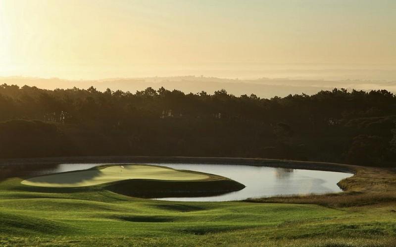 Evolutee Hotel Royal Obidos golf course island green
