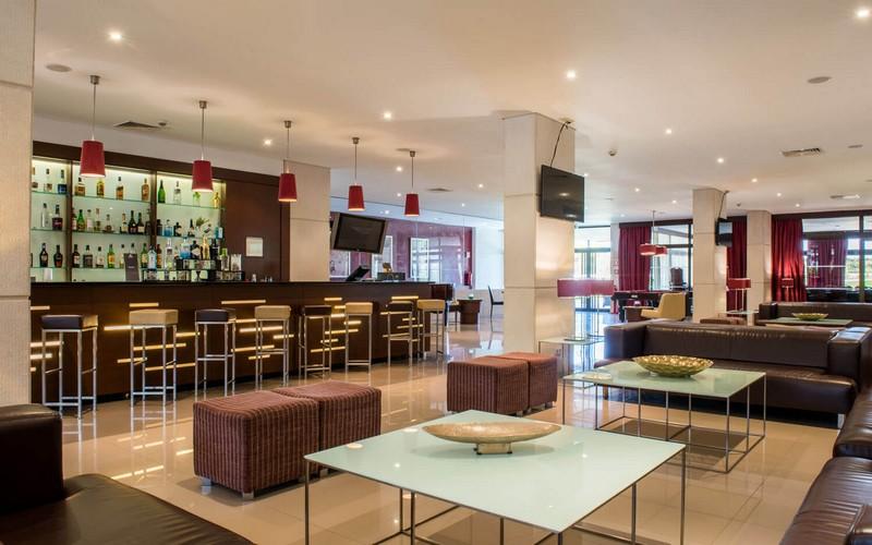 Vila Gale Cascais golf holidays bar 2