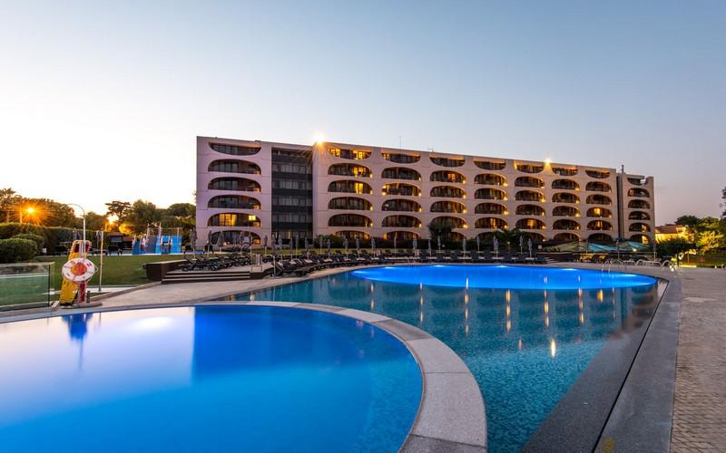 Vila Gale Cascais golf holidays pool 2