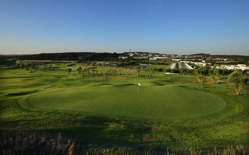 bom sucesso golf course large green