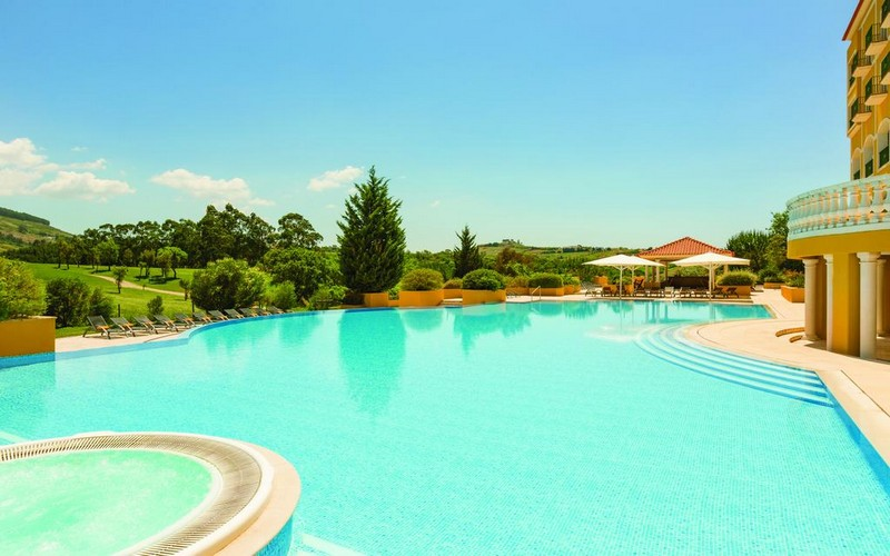 camporeal golf resort pool