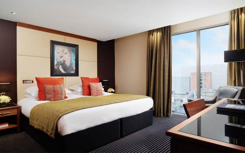 hard days night hotel bedroom