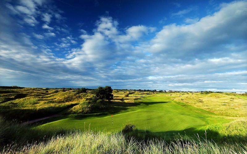 royal birkdale golf course green fairway