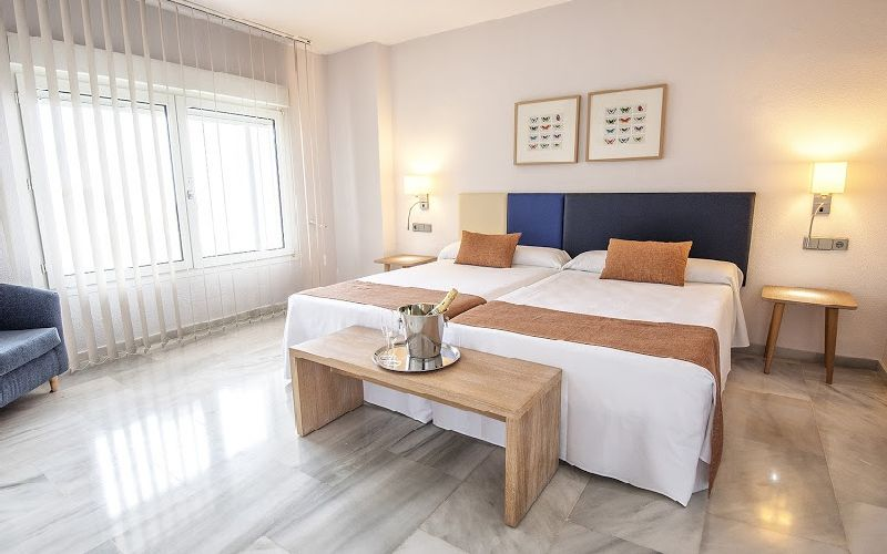 Flatotel-International-Apartments-twin-room