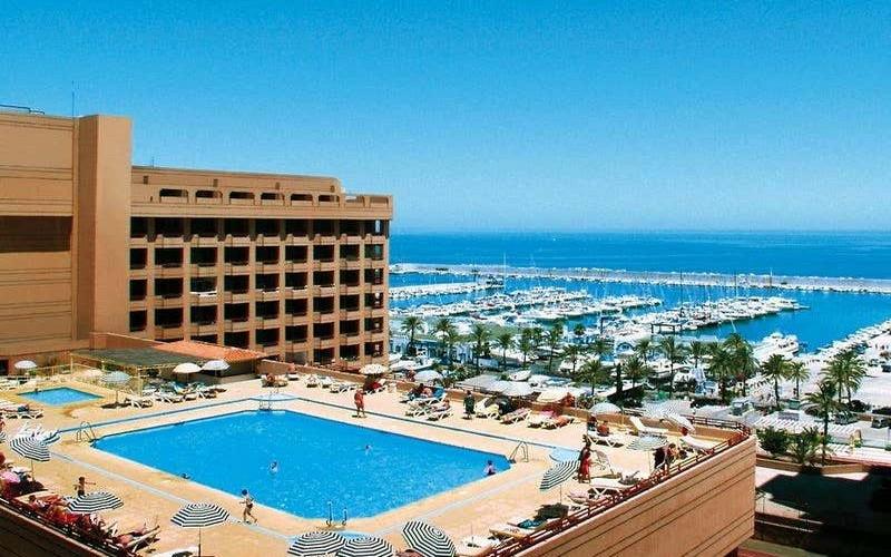las palmeras rooftop pool