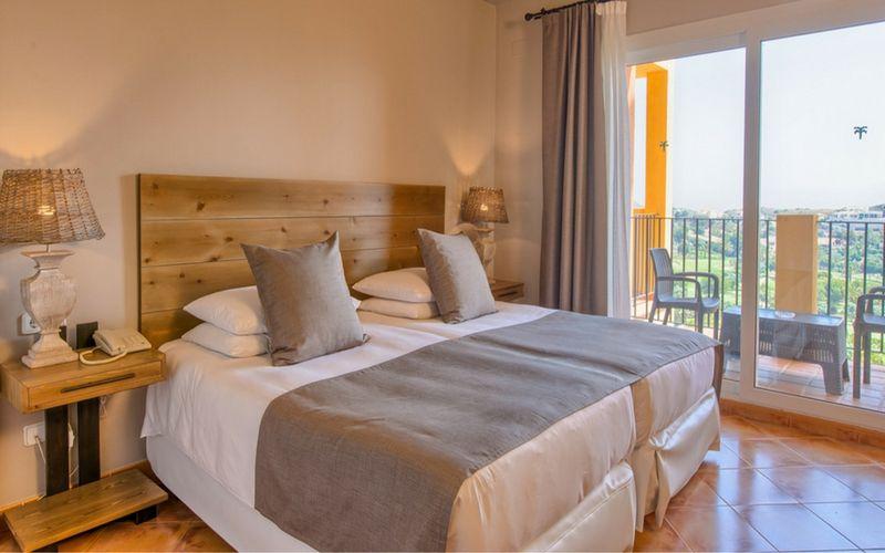 las-lomas-village-twin-room
