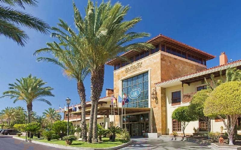 elba palace hotel entrance 1
